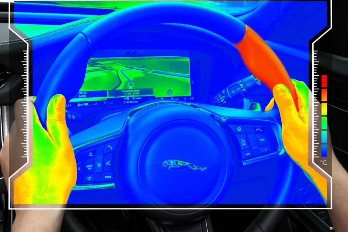 Jaguar Land Rover, il futuro dell'auto è il volante aptico