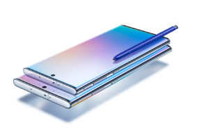 Galaxy Note 10, lo smartphone business di Samsung si fa in tre. Ecco la recensione (video)