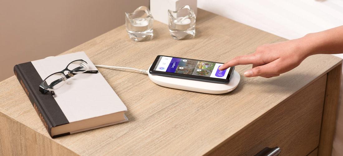 Sandisk iXpand, la base di ricarica wireless che salva i dati dello smartphone