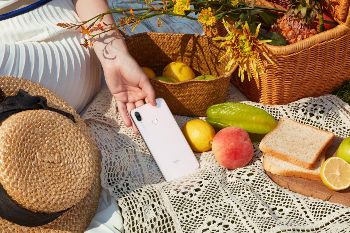 Redmi Note 7, Xiaomi lancia in Italia la tonalità Moonlight White