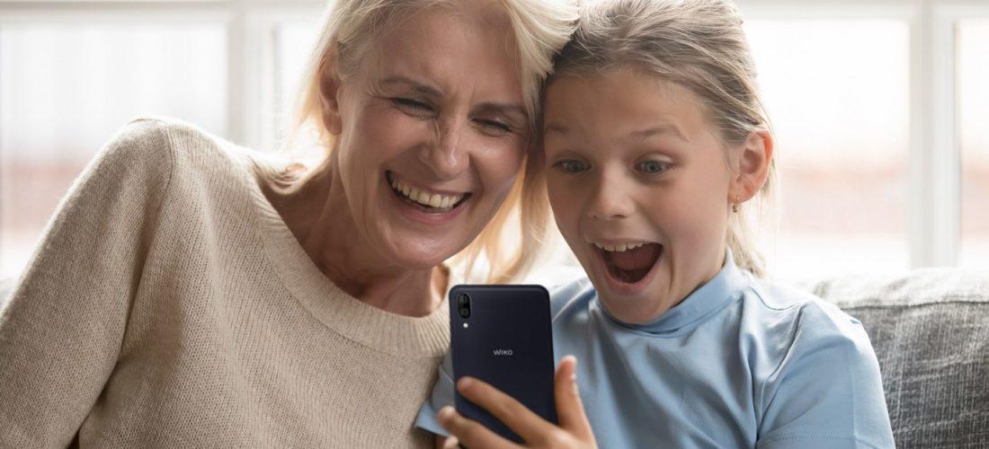 Wiko Y80, lo smartphone per la Festa dei Nonni