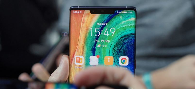 Huawei Mate 30 Pro visto da vicino (video)