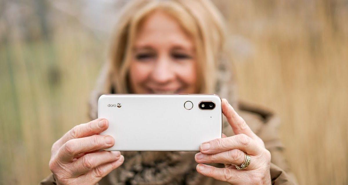 Doro e gli smartphone regalo per i nonni