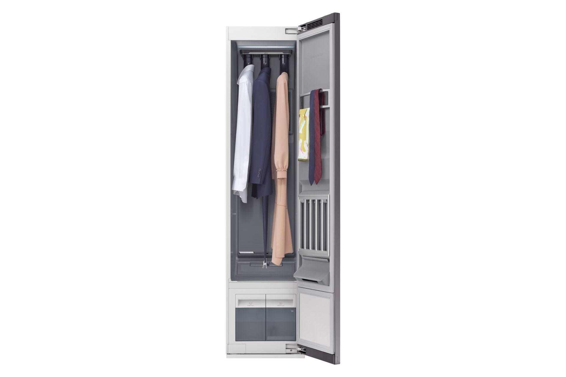 AirDresser, la cabina armadio che igienizza gli abiti Tra