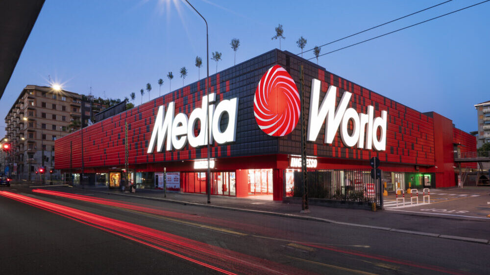 Tech Village, lo store piazza e bottega di Mediaworld