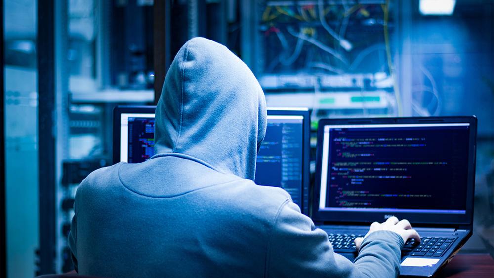 Le mail a tema vaccino: è il nuovo attacco degli hacker