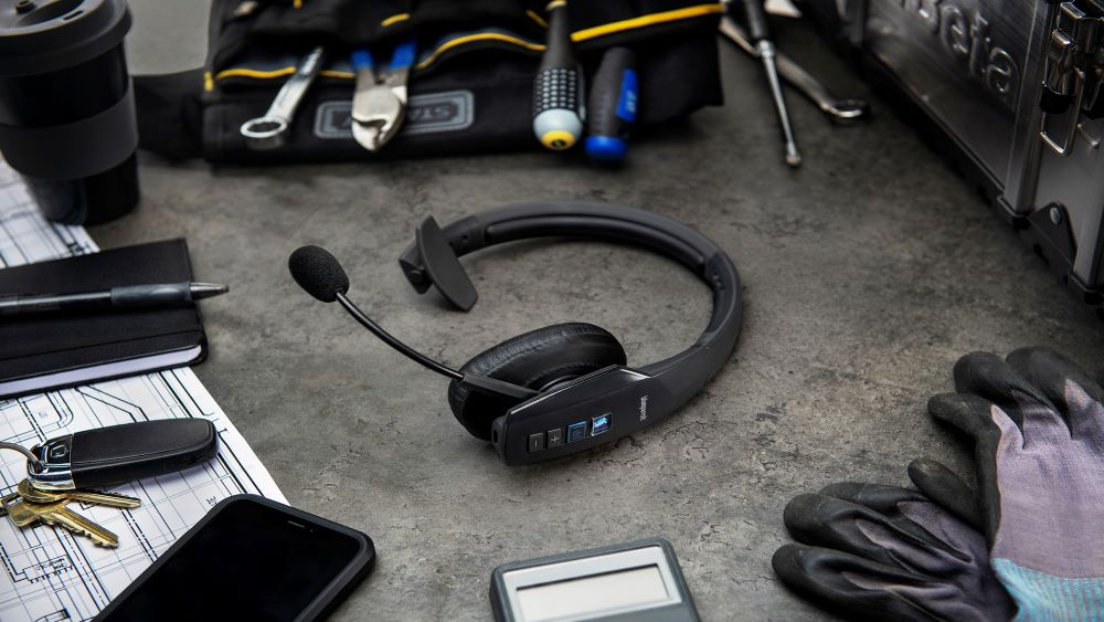 BlueParrott: ecco le cuffie wireless con la funzione Teams Walkie Talkie di Microsoft