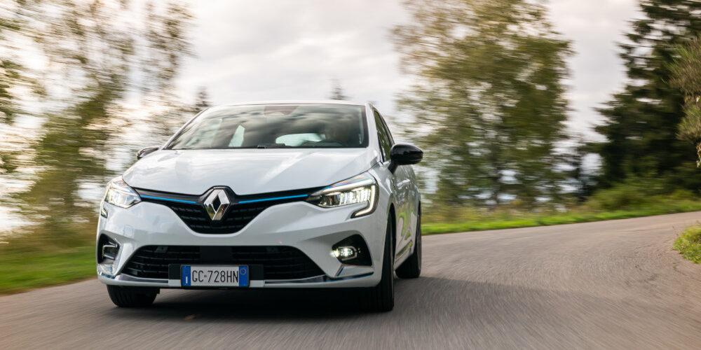 Clio E-TECH Hybrid: rigenerazione da competizione
