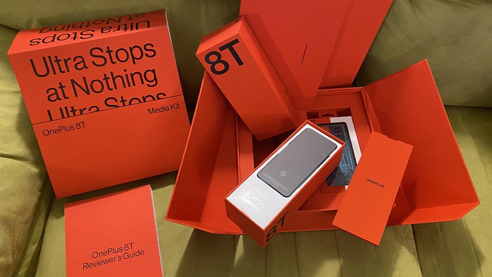 OnePlus 8T, schermo e ricarica a tutta velocità