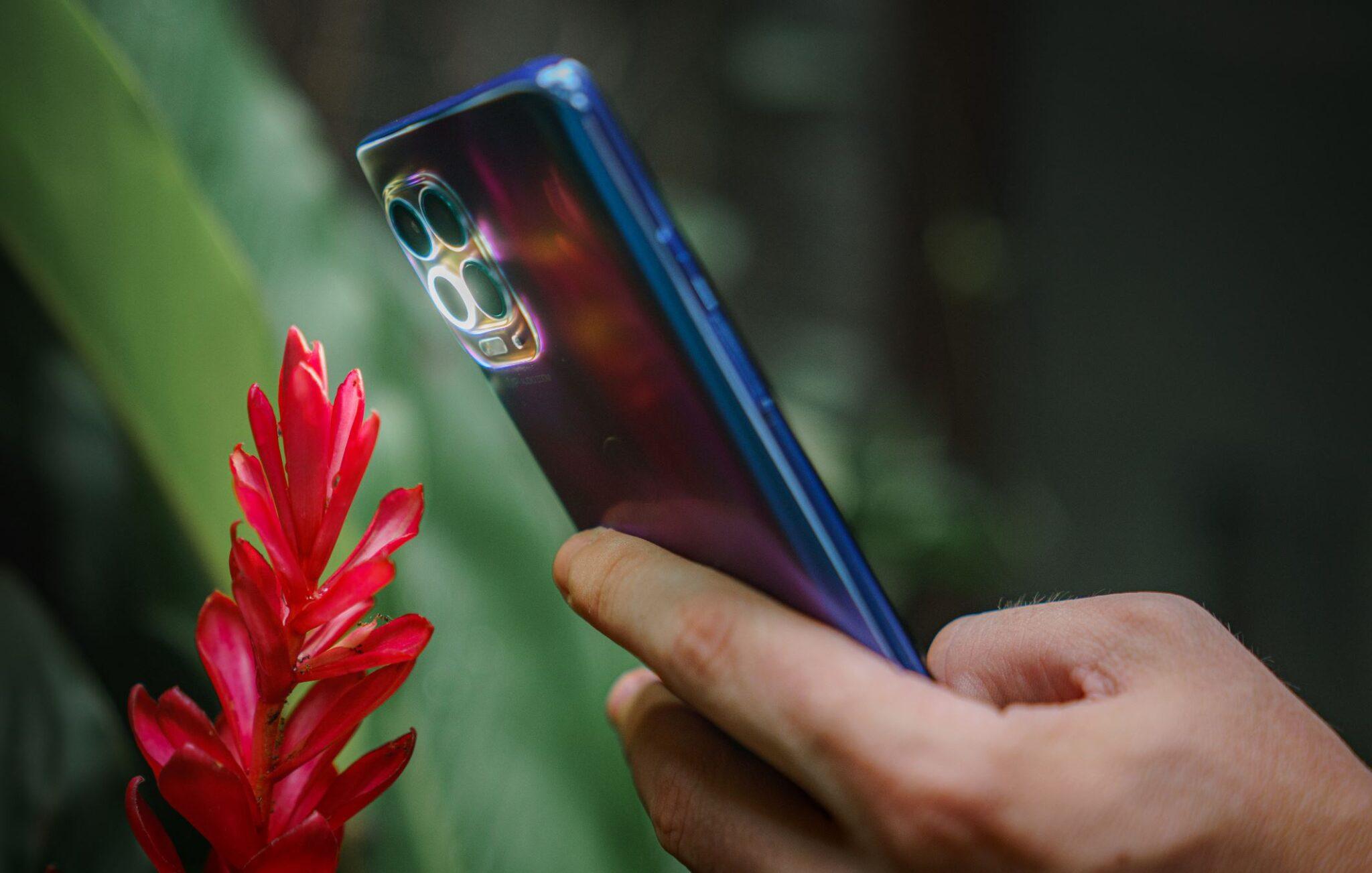 Motorola moto g100: il super supersmartphone che diventa un piccolo Pc