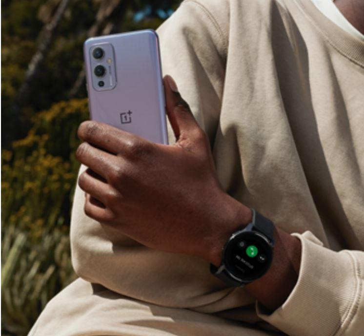 Il nuovo smartwatch OnePlus: sportivo e di classe