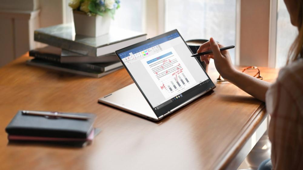 X1 Titanium Yoga: arriva in Italia il più sottile ThinkPad di sempre