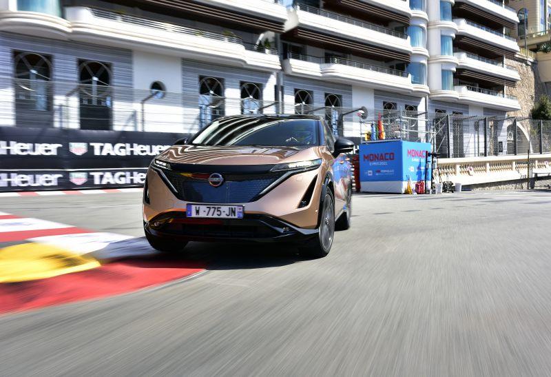 Nissan Ariya sul circuito di Monaco per il debutto stradale