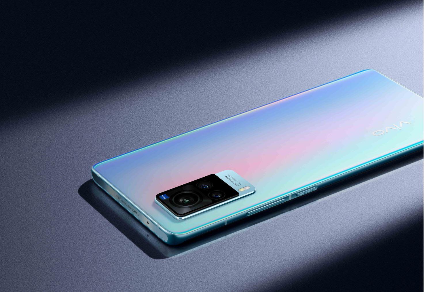 vivo X60 Pro, il primo smartphone con ottiche ZEISS