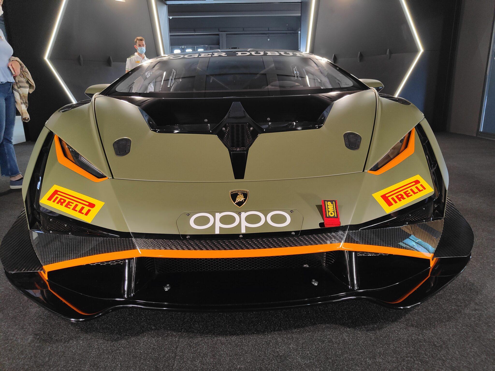 Oppo con Lamborghini: una giornata all'autodromo di Modena