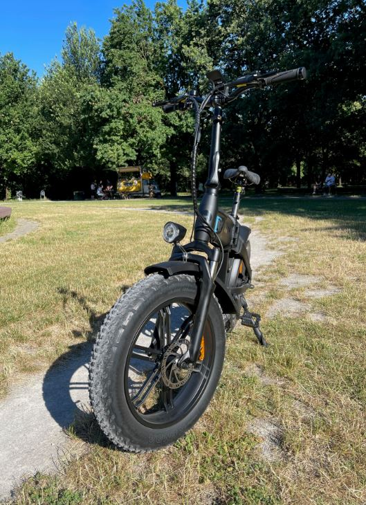 bicicletta elettrica fat bike