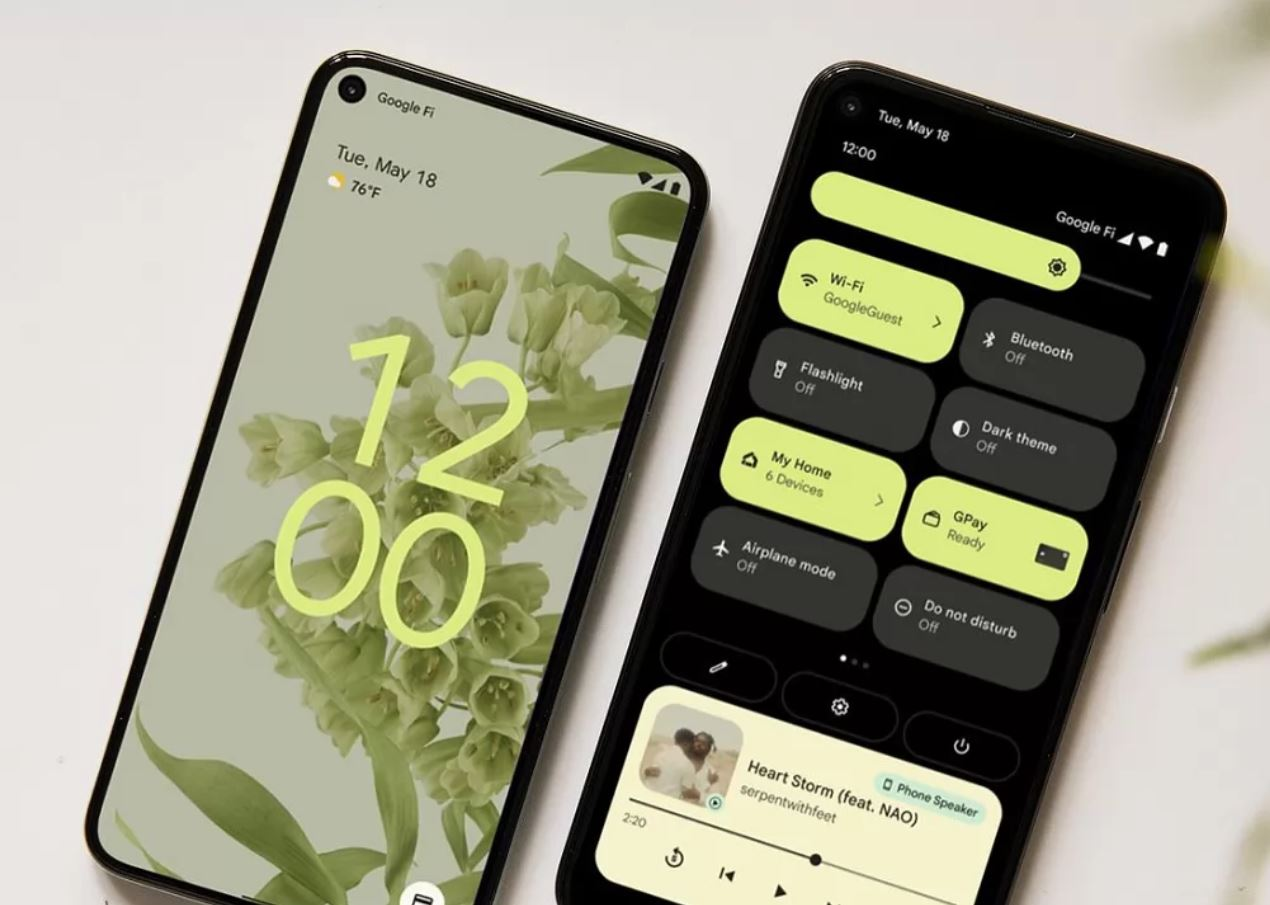 La ricarica adattiva e le altre novità di Android 12
