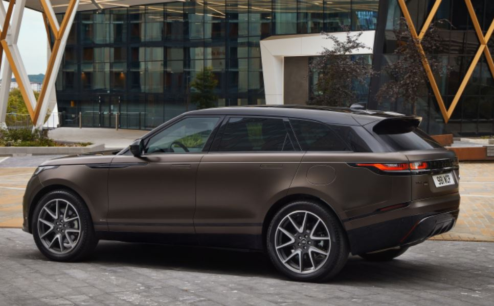 Range Rover Velar Auric Edition, tecnologia ed eleganza
