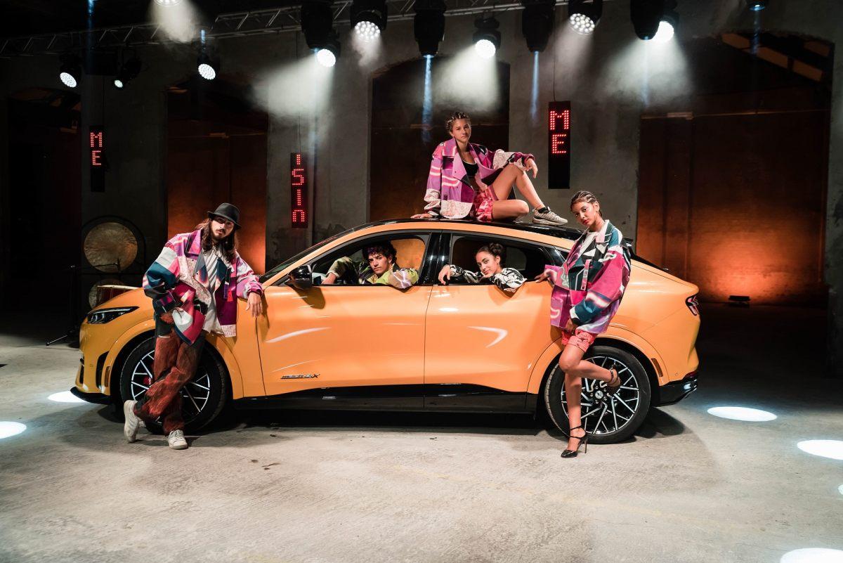 Mustang svela la Mach-E GT con Vogue Talents