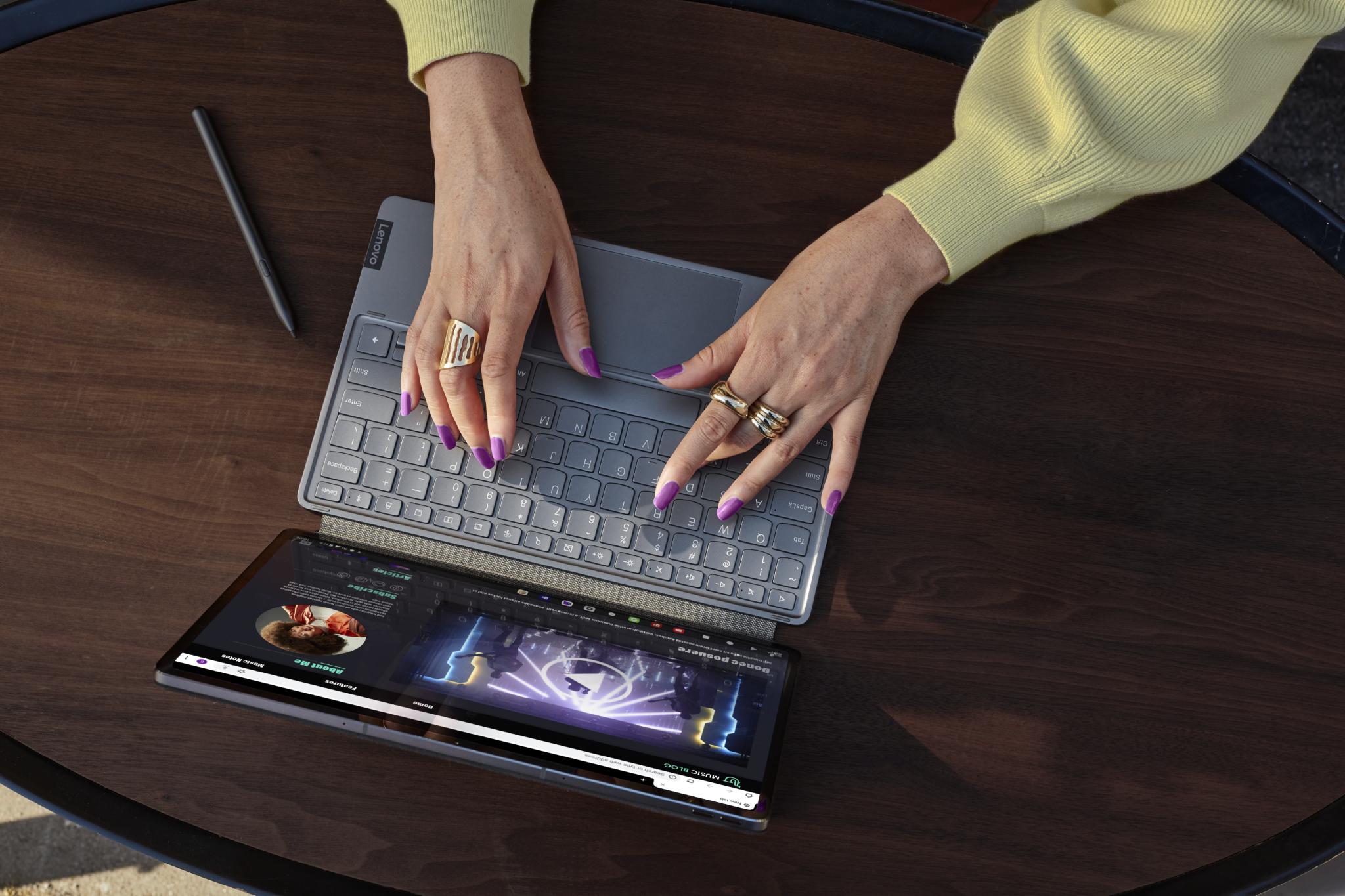 Il tablet Lenovo Tab P12 Pro, l'home theater portatile